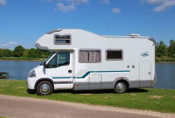 Hire a motorhome in Steinheim from private owners| Weinsberg nox - mobil