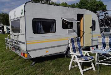 Hire a motorhome in Neukirchen-Vluyn from private owners| Knaus Freedolin
