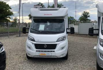 Hire a motorhome in Schkeuditz from private owners| Dethleffs Simba