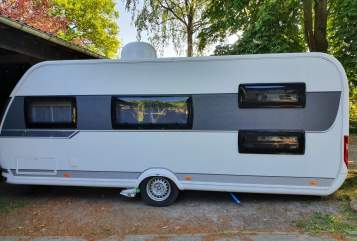 Hire a motorhome in Horneburg from private owners| HOBBY Camping Buddy