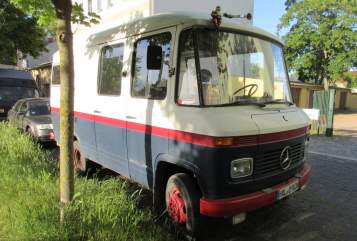 Hire a motorhome in Halle from private owners  Mercedes Ede
