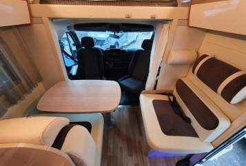 Hire a motorhome in Heidelberg from private owners| Ahorn PriebeCamper