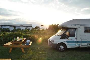 Hire a motorhome in Bochum from private owners| Ford Lisa