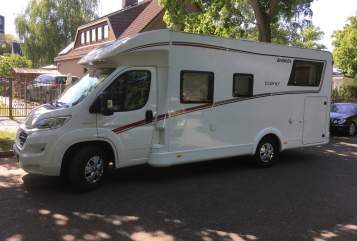 Hire a motorhome in Berlin from private owners  Dethleffs Det der 1.