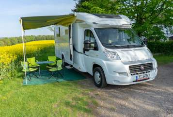 Hire a motorhome in Döbeln from private owners| Carado Carado T447
