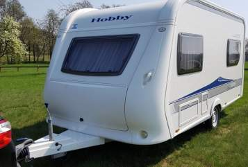 Hire a motorhome in Diera-Zehren from private owners| Hobby Mobby