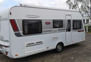 Hire a motorhome in Hohen Neuendorf from private owners  LMC LMC  490 E