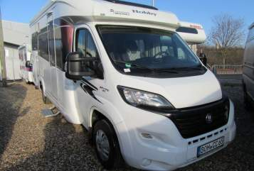Hire a motorhome in Lüdinghausen from private owners| Hobby Stadtfeld´s