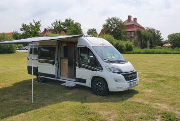 Hire a motorhome in Hamm from private owners| Malibu by Cathargo Rusty
