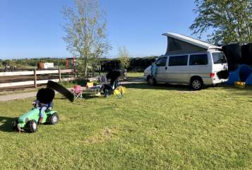 Hire a motorhome in Köln from private owners| VW Bulli