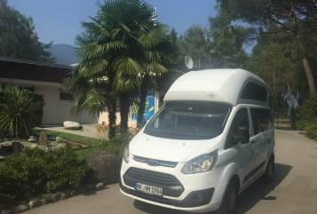 Hire a motorhome in Viöl from private owners| Ford Ford Nugget Nordfriesland