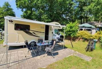Hire a motorhome in Berlin from private owners| Ahorn Yuna