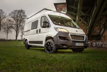 Hire a motorhome in Kiel from private owners| Peugeot  Pamir