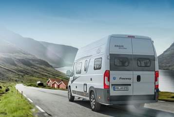 Hire a motorhome in Oberstaufen from private owners| Knaus Freeway