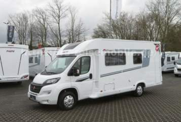 Hire a motorhome in Ratingen from private owners| Pilote Franz