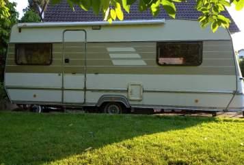 Hire a motorhome in Königswinter from private owners| Eriba-Hymer Emma Eriba