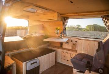 Hire a motorhome in Bremen from private owners| VW Flocke