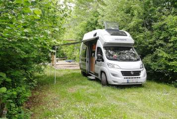 Hire a motorhome in Niddatal from private owners| Weinsberg KaTo
