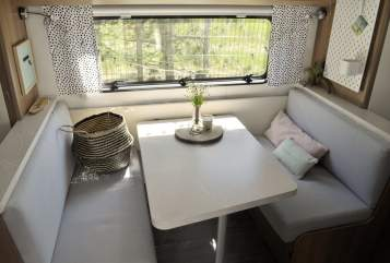 Hire a motorhome in Rellingen from private owners| Hobby WILLA