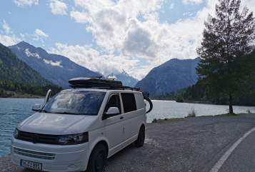 Hire a motorhome in Hannover from private owners| VW Autarker Camper