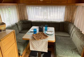 Hire a motorhome in Overath from private owners| Knaus Tahiti