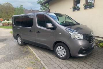 Hire a motorhome in Ingolstadt from private owners| Renault MaFi