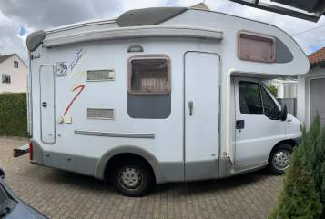 Hire a motorhome in Neu-Ulm from private owners  Knaus Lilly