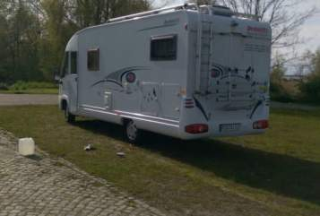 Hire a motorhome in Ribnitz-Damgarten from private owners| dethleffs ostseeperle