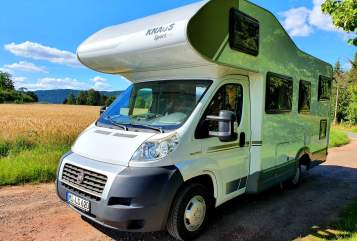Hire a motorhome in Porta Westfalica from private owners| Knaus Gonzo