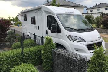 Hire a motorhome in Gudensberg from private owners| Sunlight  Reisewagen