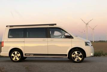 Hire a motorhome in Raa-Besenbek from private owners| VW VW Bulli Harvey