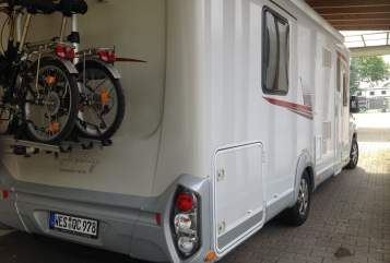 Hire a motorhome in Moers from private owners| Lmc Raumwunder