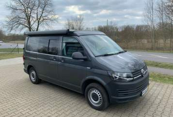 Hire a motorhome in Hamburg from private owners| VW Bulli Bulli