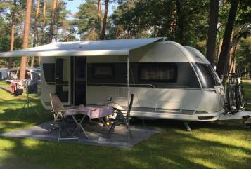 Hire a motorhome in Waltenhofen from private owners| Hobby MyHobbit