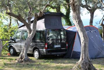 "Hire a motorhome in Taching am See from private owners| Ford ""Euroline"""