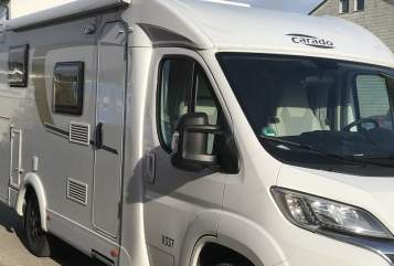 Hire a motorhome in Stuttgart from private owners| Carado Camperl