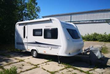Hire a motorhome in Rostock from private owners| Hobby Familiencamper