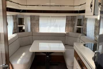 Hire a motorhome in Budenheim from private owners| Hobby Luke