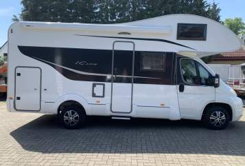 Hire a motorhome in Bremen from private owners| Fiat Ducato mit Bürstner-Aufbau Funny