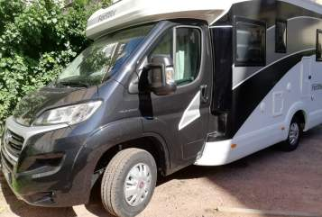Hire a motorhome in Saarbrücken from private owners| Forster Julie