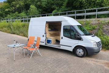 Hire a motorhome in Koblenz from private owners| Ford Luxusschlitten