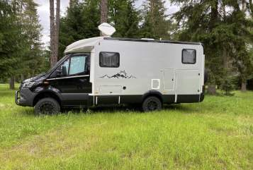Hire a motorhome in Saalfeld/Saale from private owners  Hymer Homer