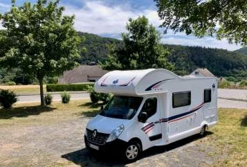 Hire a motorhome in Kempen from private owners| Ahorn Camper4Fun
