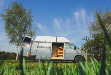 Hire a motorhome in Langenwetzendorf from private owners| VW Günther