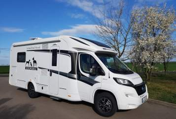 Hire a motorhome in Leipzig from private owners| Knaus SUN TI  DOGMOBIL 5