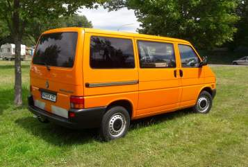 Hire a motorhome in Girod from private owners| Vw t4  Daisy