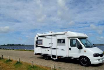 Hire a motorhome in Friedrichsthal from private owners| Bürstner BettMobil