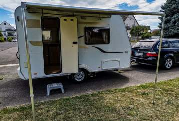 Hire a motorhome in Seligenstadt from private owners| Capron Villa Carado