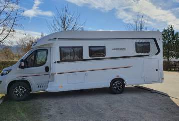Hire a motorhome in Freiburg im Breisgau from private owners| Weinsberg Linus