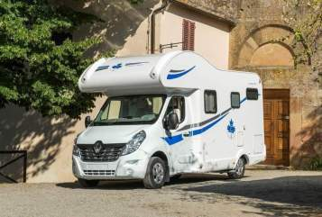 Hire a motorhome in Kerpen from private owners| Ahorn Disney Dreams